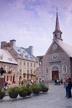 Pedestrian only streets Quebec City. Place Royale, Québec, fondée par Samuel de Champlain. Première ville d'Amérique.