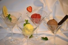 Domácí zmrzlina Martini, Yummy Food, Breakfast, Tableware, Cake, Glass, Kitchen, Desserts, Morning Coffee