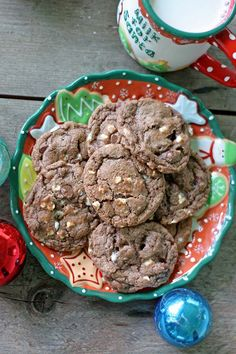 These chocolatey cookies are so insanely simple -- starts with a cookie mix and hot chocolate for a rich chocolate flavor. A perfect Christmas cookie! Holiday Recipes, Great Recipes, Recipe Ideas, Easy Recipes, Holiday Foods, Delicious Recipes, Hot Chocolate Cookies, Chocolate Flavors, Best Cookies Ever