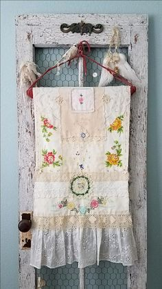 Blooming Meadow - Vintage Shabby Chic Hand Stitched Flower Garden Table Cloth Runner for Wedding, Easter, and Home Decor 246 Shabby Chic Vintage, Shabby Chic Crafts, Shabby Chic Homes, Shabby Chic Decor, Vintage Linen, Vintage Table, Embroidery Designs, Vintage Embroidery, Embroidery Thread
