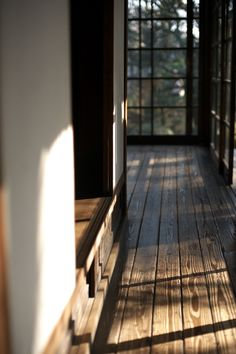 The Japanese wise lifestyle: poetry of light on soft wood.