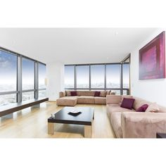 A view you definitely wouldn't want to miss out on! Located moments from Canary Wharf in a luxurious development this desirable two bedroom apartment on the 24th floor offers a smart city lifestyle. Call us on 02072311066 to find out more. #hastingsinternational #luxury #luxuriousproperty #amazing #londonviews #cityskyline #city #londoncitycanarywharf #propertyporn #propertyphoto #propertytorentincanarywharf #instadaily #beautiful #jubilee #interior #lounge #loungephotos #propertydesign by…