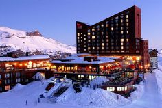 Escape to Chile, and the incredible Hotel Valle Nevado Beautiful World, Beautiful Places, Sky Resort, Relaxing Places, Mountain Resort, Like A Local, Best Places To Eat, Travel Memories, Vacation Destinations