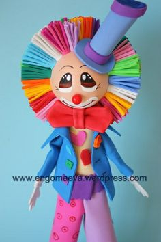 Funny clown with handmade paper eva (foamy)   ---   Divertido payaso hecho a mano con goma eva (foamy).