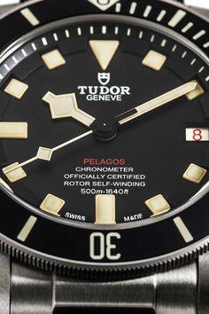 Tudor Launches The 'Destro' Version Of The Pelagos, A High-Performance Dive Watch That Offers Supreme Value. Dream Watches, Cool Watches, Watches For Men, Tudor Heritage Black Bay, Tudor Black Bay, Tudor Bronze, Fancy Clock, Tudor Pelagos, Tudor Monarchs