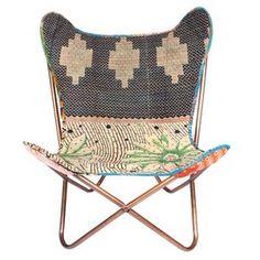 Vlinderstoel met kantha bekleed