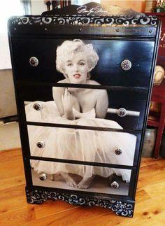 Marilyn Monroe Drawers