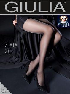 """Zarte Transparenz leuchtet, funkelt, sehr geschmackvoll und edel  Die Zlata #1 in 20 Denier ist so verführerisch, da sie nicht nur fein gearbeitet wurde und durch die gestreifte Strickung sehr zart wirkt, sie versprüht auch puren Luxus und Glamour durch den hohen Anteil an Lurex. Diesen Effekt nennt Giulia """"Shine Light""""."""