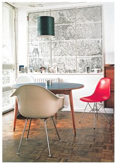 dying to find some of these vintage eames chairs. Grey Desk Chair, Home Suites, Farmhouse Dining Chairs, Dining Room, Mid Century Chair, Eames Chairs, Industrial Table, Home Decor Inspiration, Vintage Kitchen