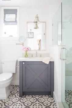 Beach bathroom decor inspiration at SugarsBeach.com | Amazing coastal beach bath decorating ideas #SugarsBeach Grey Bathrooms, Bathroom Sets, Dyi Bathroom, White Bathroom, Bathroom Faucets, Bathroom Things, Wooden Bathroom, Bathroom Hacks, Mosaic Bathroom
