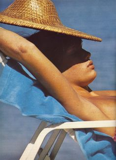 Patti Hansen finding some shade, Mike Reinhardt 1973 #the2bandits #banditbabes