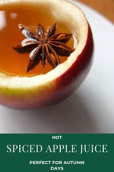 Simple Spiced Apple Juice Recipe - Perfect for cold Autumn days and long winter nights! Fall Recipes, Vegan Recipes, A Food, Food And Drink, British Dishes, Bobbing For Apples, Spiced Apples, Long Winter, Apple Juice