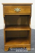 Vintage maple furniture ethan allen nutmeg maple nightstand maple nightstand made and for Ethan allen bedroom night stands
