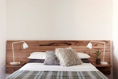 Bedroom Ideas astonishing reference - Most dazzling decorating tricks. Suggested under diy bedroom decorating ideas bedside tables, created on 20190203 Timber Bedhead, Timber Beds, Diy Bed Headboard, Headboards For Beds, Diy Bedroom Decor, Diy Home Decor, Bedroom Ideas, New Room, Decoration