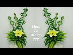 Dracaena fragrans mix Yellow Lilys Flower Arrangement for Tall Flower Arrangements, Altar Flowers, Ikebana Flower Arrangement, Ikebana Arrangements, Church Flowers, Unique Flowers, Floral Centerpieces, Arreglos Ikebana, Leaf Art