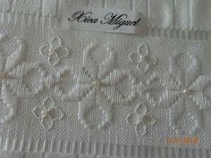 Résultats de recherche d'images pour « borders in hardanger Types Of Embroidery, Learn Embroidery, Embroidery Patterns, Hardanger Embroidery, Cross Stitch Embroidery, Cross Stitch Borders, Cross Stitching, Sewing Stitches By Hand, Bookmark Craft