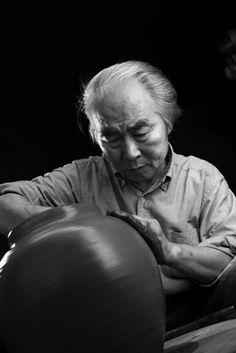 National Living Treasure of Japan, Sekisui ITO (1941~), pottery artist, at work