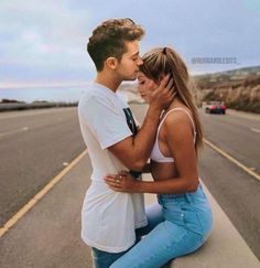 Couple Goals Teenagers Pictures, Funny Couple Pictures, Funny Photos, Couple Photos, Teenage Couples, Funny Couples, Cute Relationship Goals, Cute Relationships, Disney Channel