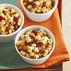 This Cranberry-Orange Caramel Corn is a great party snack! More easy party snacks: http://www.bhg.com/recipes/party/appetizers/easy-snacks/?socsrc=bhgpin080413caramelcorn=18