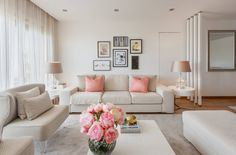 9 easy ways to beautify a small living room (From April Kennedy)