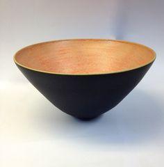 Stentøjsskål med orange glasur af Ole Jessen
