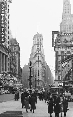 New York City ~ Manhattan Old Pictures, Old Photos, Vintage Photographs, Vintage Photos, Brooklyn, A New York Minute, City Scene, Vintage New York, Dream City