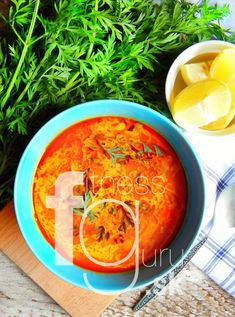 Thajská kokosová karí polievka Tofu, Curry, Tasty, Ethnic Recipes, Fit, Curries, Shape