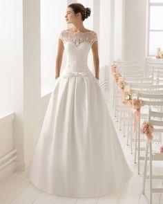 Biombo. Credits_ Aire Barcelona. Jenny Packham, Best Wedding Dresses, Bridal Dresses, Justin Alexander, Pronovias, Romantic Flowers, Dream Dress, Boat Neck, Different Styles