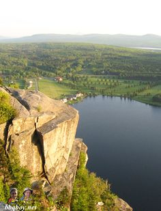 Mt. Pinacle, our favorite hike in Quebec's Eastern Townships. More on this spot: http://bbqboy.net/our-favorite-eastern-townships-hike-mt-pinacle-quebec/ #quebec #canada