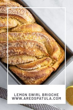 This lemon kiwi loaf is a variation on the lemon swirl buns I made last year. I love the loaf form as well. And how about the kiwi compote? Best Bread Recipe, Bread Recipes, Baking Recipes, Cake Recipes, Brioche Recipe, Fruit Compote, Braided Bread, Easy Bread, Dinner Rolls