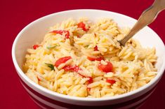 Learn how to prepare and cook a lenten and vegan version of an Greek orzo. Dairy Free Orzo Recipes, Greek Recipes, Vegetarian Recipes, Cooking Recipes, Pasta Dishes, Food Dishes, Side Dishes, Greek Sauce, Greek Dinners