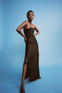 Коллекции | Resort | Весна-лето 2021 | VOGUE Vogue Paris, Backstage, Catwalk Models, Rejina Pyo, Friend Outfits, Girl Photo Poses, Black Women Fashion, Vogue Fashion, Fashion Show Collection
