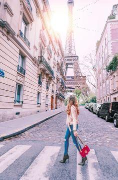 PARIS TRAVEL GUIDE - Amelia Liana