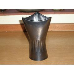 Retro Devon Dartmouth Pottery Black Vase Listing in the Devon & Torquay…