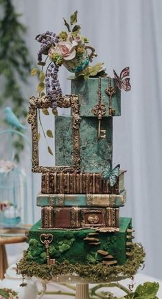 47 unique takes on the traditional white wedding cake 31 crazy wedding cakes 47 unique takes on the traditional white wedding cake 1 Crazy Cakes, Crazy Wedding Cakes, Fondant Wedding Cakes, Creative Wedding Cakes, Wedding Cake Designs, Fancy Cakes, Fondant Cakes, Cupcake Cakes, Oreo Wedding Cake