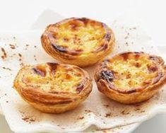 Pastel de Nata workshop in Lisbon. Learn how to make pasteis de nata, also known as portuguese custard tart. Belem, Baking Classes, Custard Tart, Egg Tart, Home Baking, Recipe Steps, Healthy Dishes, Fun Desserts, Food Videos