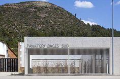 Barceló Balanzó . Plasencia . funeral parlor . SANT VICENÇ DE CASTELLET (1)