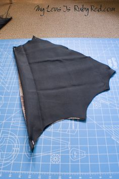 Now on to the grand finale of my little one& Bat Girl costume - the cape! I really wanted to make something that could be used for more than just a Halloween costume. My girl is getting to an age . Batgirl Costume, Bat Costume, Dress Up Costumes, Diy Costumes, Halloween Costumes, Costume Ideas, Holidays Halloween, Halloween Kids, Halloween Party