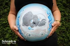 www.schmink-ie.nl / www.facebook.com/SchminkieWB <3  #bellypaint #buikschildering Bump Painting, Belly Painting, Painting For Kids, Pregnancy Gender Reveal, Pregnancy Art, Pregnancy Photos, Traditional Japanese Tattoos, Face Painting Designs, Airbrush Art