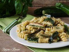 Questa pasta cremosa alle zucchine è un gustoso primo piatto che si prepara al volo, è facile ed è buono. Pochi semplici ingredienti e la pasta è servita.