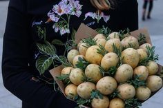 The homeland of potatoes is South America, where wild potatoes can still be found. The Indians not only ate potatoes for food, but also worshiped it, considering it an animate being. In Europe, potato Edible Arrangements, Flower Arrangements, Diy Flowers, Flower Decorations, Vegetable Bouquet, Farmers Market Display, Food Bouquet, Chocolate Flowers Bouquet, Flower Box Gift