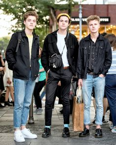 Ran into British band New Hope Club on the street in Harajuku today. Friendly guys, taking pics with & talking to their Japanese fans. New Hope Club, A New Hope, Tumblr Boys, Blake Richardson, Reece Bibby, Estilo Indie, British Boys, The Vamps, Unisex