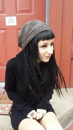 I've always wanted dreadlocks (braid-in ones), this girls hair is so inspirational *0* I'd just have my long blunt fringe as opposed to a short one <3