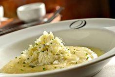 Bacalhau mantecato com polenta cremosa. 50 receitas de bacalhau para a Páscoa: entradas, bolinhos, pratos principais e massas - Paladar - Estadao.com.br