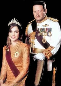 King Abdullah II and Queen Rania of Jordan are exactly what a King and Queen ought to be! King Abdullah keeps peace and invests in the future of his people and the Queen sets up and encourages schooling and cultural development, especially for women. Royal Crowns, Royal Jewels, Royal Tiaras, Crown Jewels, Royal Queen, King Queen, Jackie Kennedy, Grace Kelly, Royals