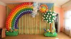 Who hates balloons? People love it, especially in a special occasion like birthday party. Many balloons are sold in the store. You can also choose to put regular air or helium gas into the balloons. Rainbow Balloons, Rainbow Theme, Rainbow Birthday, Birthday Balloon Decorations, Party Decoration, Love Balloon, Balloon Flowers, Balloon Columns, Balloon Arch