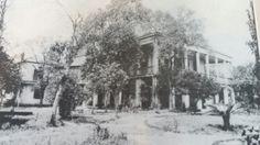 New Orleans, La. Abandoned Plantations, Louisiana Plantations, Abandoned Mansions, Abandoned Buildings, Abandoned Places, Southern Plantation Homes, Southern Homes, Southern Architecture, Architecture Old