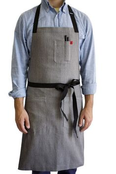 We named this bestselling apron after the delicious Vietnamese soup. The Pho apron is clean, simple, comfortable and durable. Made with Taiwanese stretch denim, the Pho apron defies the preconception Restaurant Aprons, Restaurant Uniforms, Restaurant Ideas, Cool Aprons, Aprons For Men, Cafe Uniform, Best Gift For Sister, Leather Apron, Chef Apron