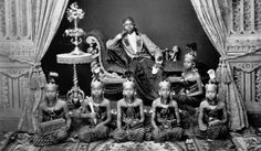 Old Pictures, Old Photos, Vintage Photos, Vietnam, Surakarta, Dutch East Indies, Online Gratis, Asian Art, Southeast Asia