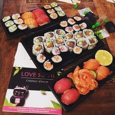 Ce soir c'est livraison de sushiset repas en amoureux avec mon fils d'amour pdt que princesse dort chez Mamie... #instalife#instasushis#food# #instahome#repasdusoir# by lillyandthemode #instagram #liked